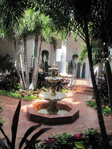spanish courtyard google search spanishstylehomes