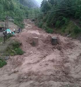 Cloudbursts cause flash floods in Anantnag - Kashmir Reader