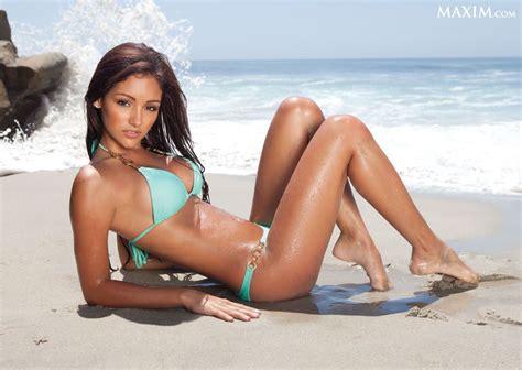 girls   beach maxim