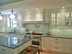 Starmark White Contemporary Cottage Kitchen & Bar