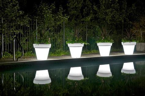 Giardino Illuminati Giardino Style I Vasi Illuminati Da Giardino