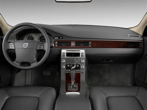 how petrol cars work 2010 volvo s40 interior lighting image 2010 volvo v70 4 door wagon dashboard size 1024 x 768 type gif posted on december 5