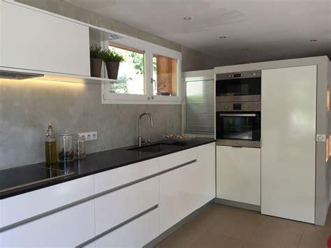 cuisine en granit plan de travail en marbre pour cuisine cette cuisine avec