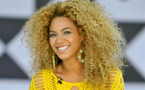 classic ways  wear curly hairstyle  beyonce