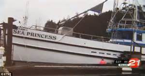 cat clings to sinking tuna boat rather than get his after explosion in oregon and