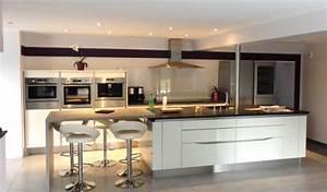 modele cuisine contemporaine cuisine equipee solde cbel With modele de cuisine contemporaine