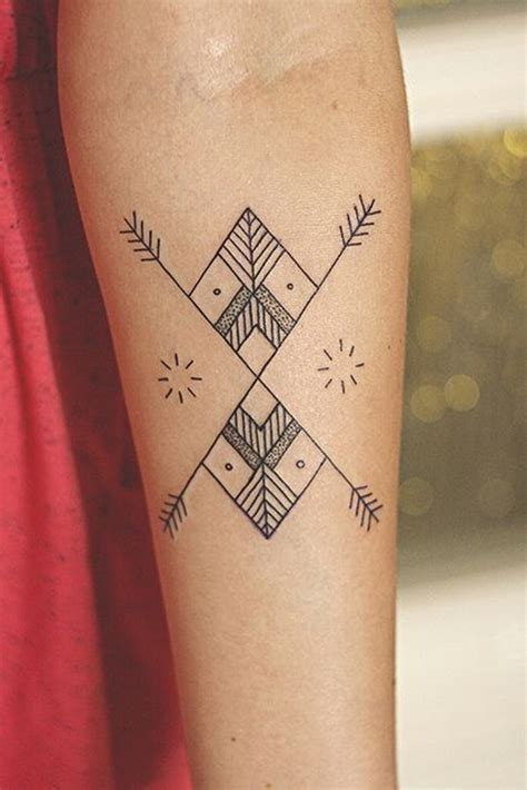 striking henna tattoos design  girls