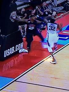 (慎入)Paul George斷腳,職業生涯受嚴重打擊 | 評籃說理 | 籃球地帶 - fanpiece