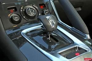 Peugeot 3008 Boite Automatique : le peugeot 3008 hybrid4 affronte le volkswagen tiguan tdi photo 9 l 39 argus ~ Gottalentnigeria.com Avis de Voitures
