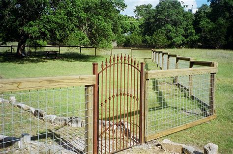 Hog Wire Fence Panels Ideas