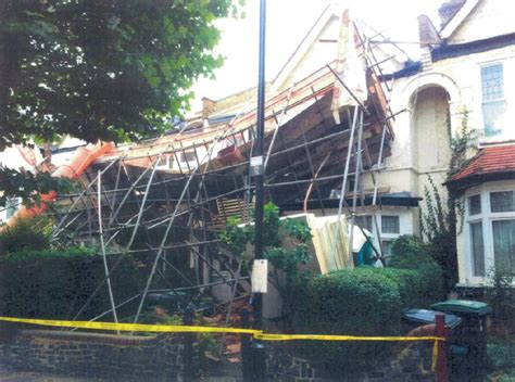 overloaded scaffold crashed