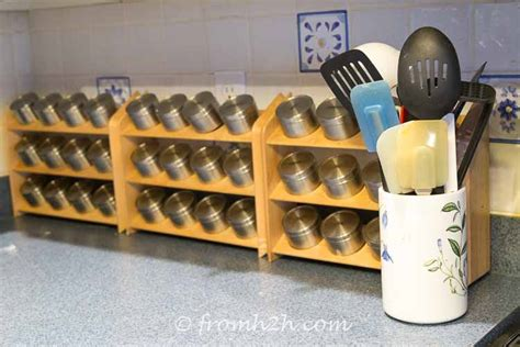 kitchen spice organization ideas how to make a diy magnetic spice rack 6113