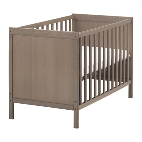 chambre bébé carrefour lit bebe winnie l 39 ourson carrefour