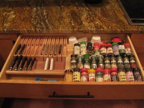 ideas  organize spice storage   drawer shelterness