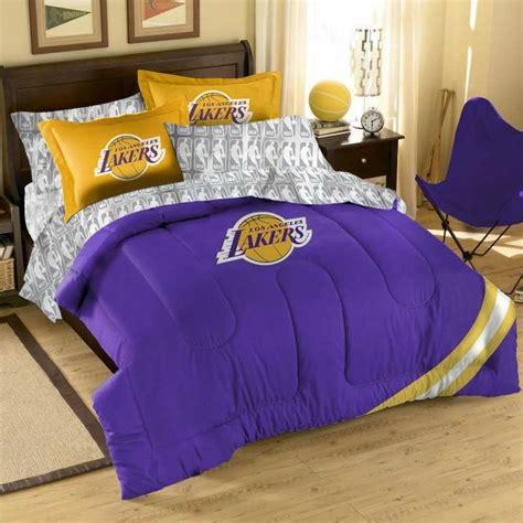 lakers bedroom ideas  images boys sport bedroom