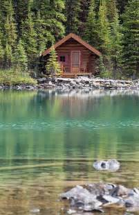 Log Cabin at the Lake