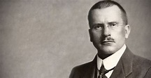 Carl Jung Biography - Childhood, Life Achievements & Timeline