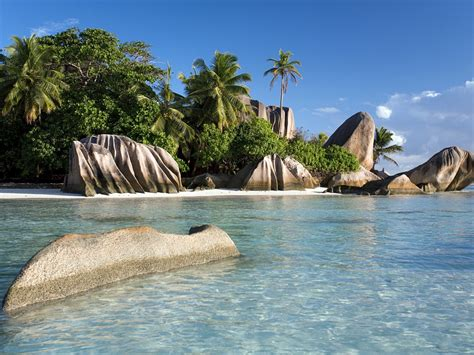 sunny shores seychelles  windows  desktop wallpaper