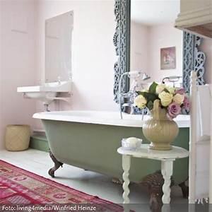 Alte Badewanne Mit Füßen : was passt besser zu shabby chic als pastellfarben die freistehende badewanne mit den ~ Cokemachineaccidents.com Haus und Dekorationen