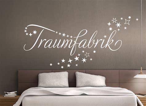 Wandtattoo Schlafzimmer Traumfabrik by Wandtattoo Zitat Quot Traumfabrik Quot Im Sternschweif W708