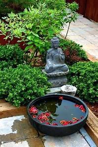 Fontaine Solaire Pour Bassin : daccoration de jardin avec une fontaine pour bassin archzinefr daccoration de jardin avec une ~ Melissatoandfro.com Idées de Décoration