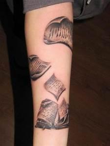 Tattoo Feder Unterarm : 1001 oberarm und unterarm tattoo ideen vorlagen ~ Frokenaadalensverden.com Haus und Dekorationen
