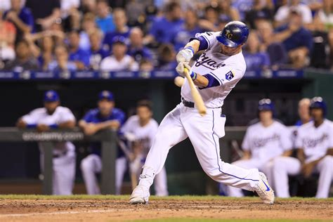 kansas city royals struggling alex gordon    bench