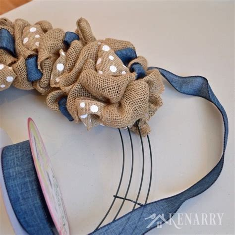 how to make a burlap wreath with two colors 25 best ideas about burlap wreath tutorial on