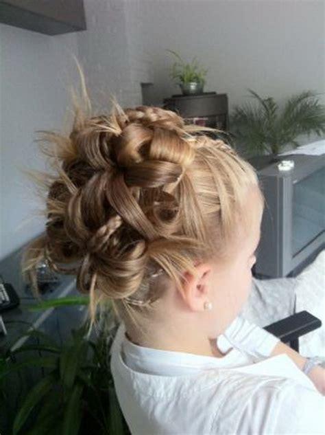 coiffure chignon enfant
