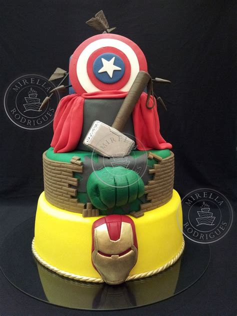 cool avengers cakes avengers themed cakes