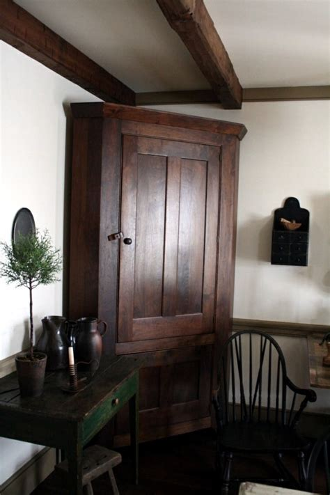 The charm of colonial furniture ? stylish wooden furniture