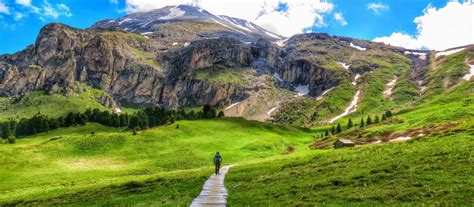 UTracks | Hiking in the Alps: 10 Walks to Add to your ...