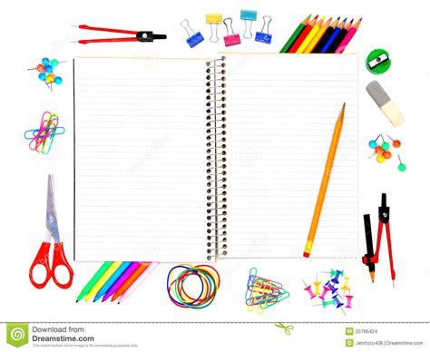 bureau des licences cahier d 39 école avec des approvisionnements photo stock