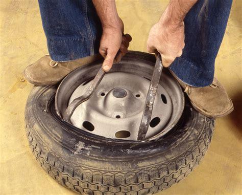 changer chambre à air démonter le pneu usagé remplacer un pneu avec chambre à air