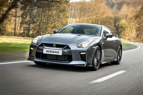 Nissan Car : Nissan Gt-r (2016) Review By Car Magazine