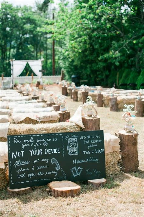 30 Rustic Outdoor Wedding Decorations With Hay Bales Oh