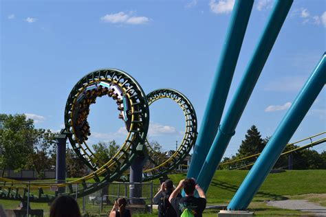 canadas wonderland dragon fire