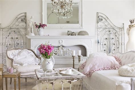 Romantic & Elegant Styling Tips And Seasonal Changes
