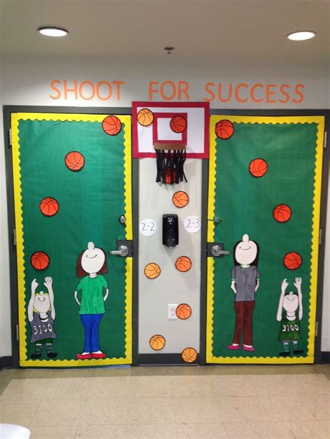 christmas door decoration for six graders back to school door ideas for 6th grade search projects to try school doors sports