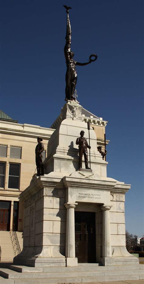 LandmarkHunter com Sedgwick County Memorial Hall and