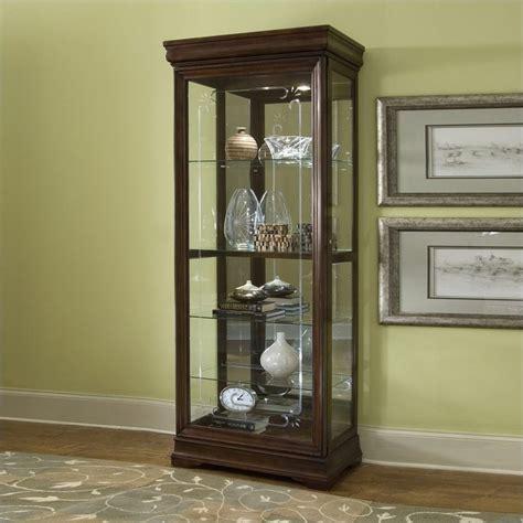 pulaski furniture curio cabinet pulaski gallery curio cabinet 21306