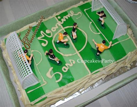 Célébrez votre équipe de foot favorite avec le gâteau sur mesure om. Gâteau terrain de foot - CupcakesParty à Marseille