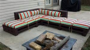 Used Theater Chairs by Diy Pallet Wood Couch Plans Recycled Things