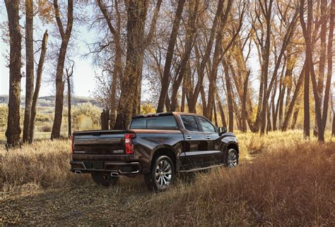 Chevy Truck Pic by 2019 Silverado Pictures Chevy S New Truck In Detail Gm