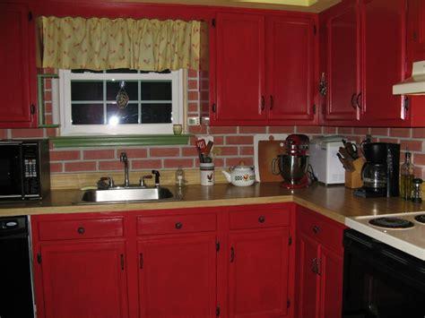 exemple de cuisine repeinte repeindre une cuisine en bois