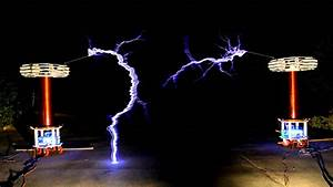 Dueling Banjos - Musical Tesla Coils