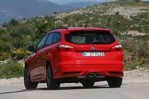 Audi Saint Witz : k lner turbo transporter so f hrt der ford focus st turnier ~ Gottalentnigeria.com Avis de Voitures