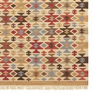tapis design kilim a motifs multicolore en laine et jute With tapis kilim avec canapé de marque italienne