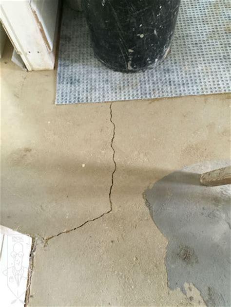 Tiling onto Cracked Screed ? Addressing Underlying Causes