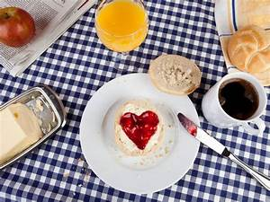 Ideen Für Frühstück : fr hst ck zum valentinstag romantische ideen mit herz ~ Markanthonyermac.com Haus und Dekorationen